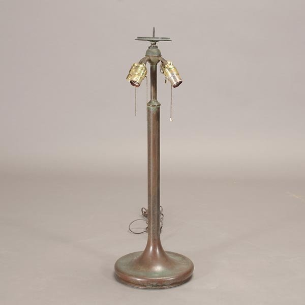 654: Unique Art Glass and Metal Co. Table Lamp - 2