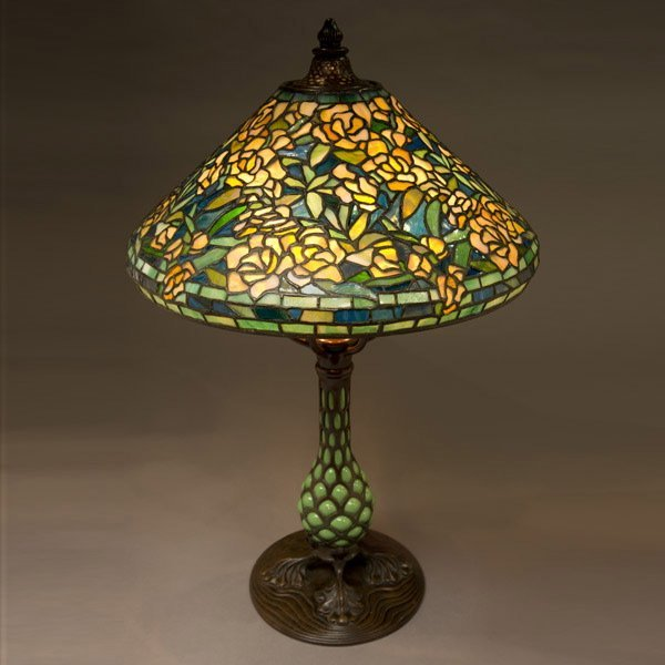 119: Tiffany Studios Rambling Rose Table Lamp