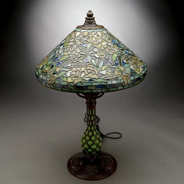 119: Tiffany Studios Rambling Rose Table Lamp - 2
