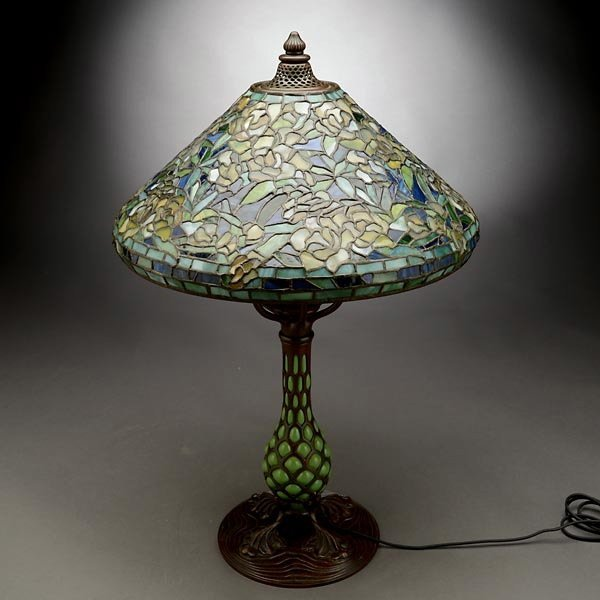 119: Tiffany Studios Rambling Rose Table Lamp - 3
