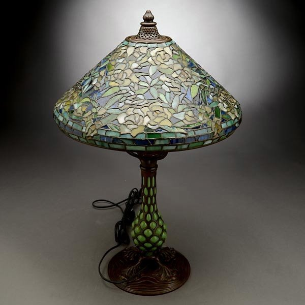 119: Tiffany Studios Rambling Rose Table Lamp - 4