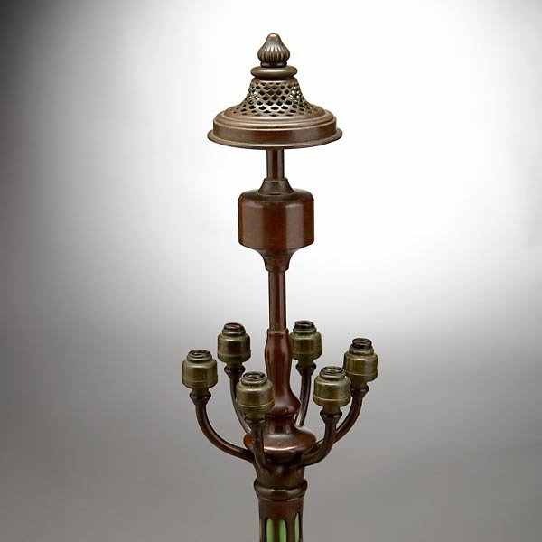 119: Tiffany Studios Rambling Rose Table Lamp - 9