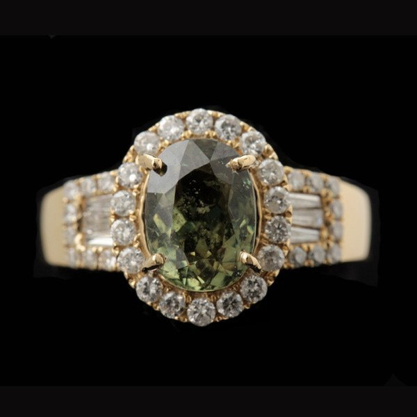 3009: PERIDOT, DIAMOND, 14K YELLOW GOLD RING.
