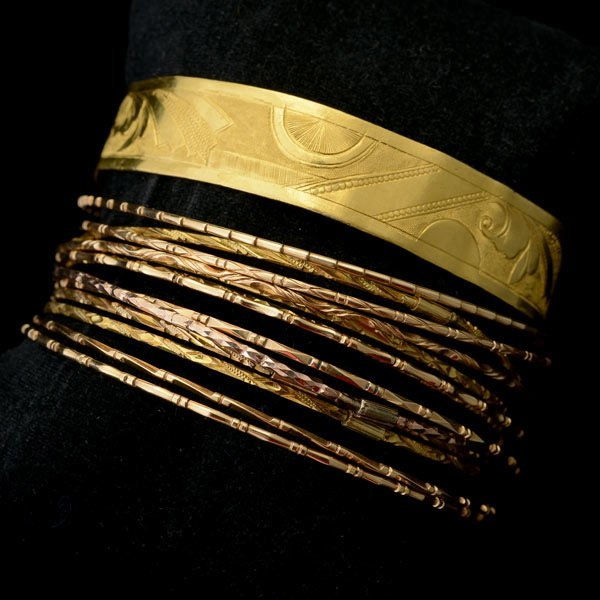 3012: FOURTEEN 20K, 18K, 14K YELLOW GOLD BRACELETS.