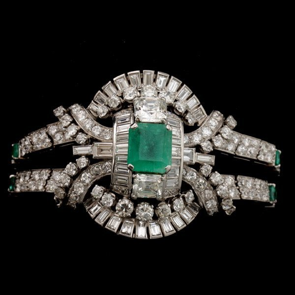 3132: EMERALD, DIAMOND, 18K WHITE GOLD BRACELET.