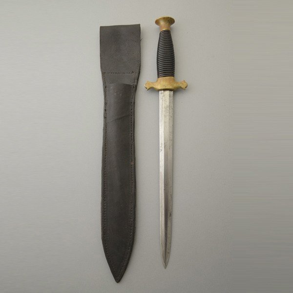 Theater of War Knife with Scabbard