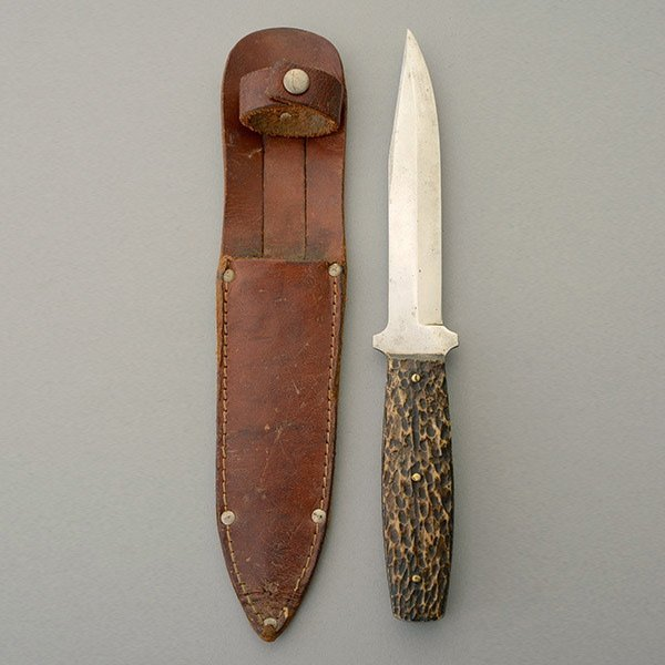 Hunting Knife by Tell