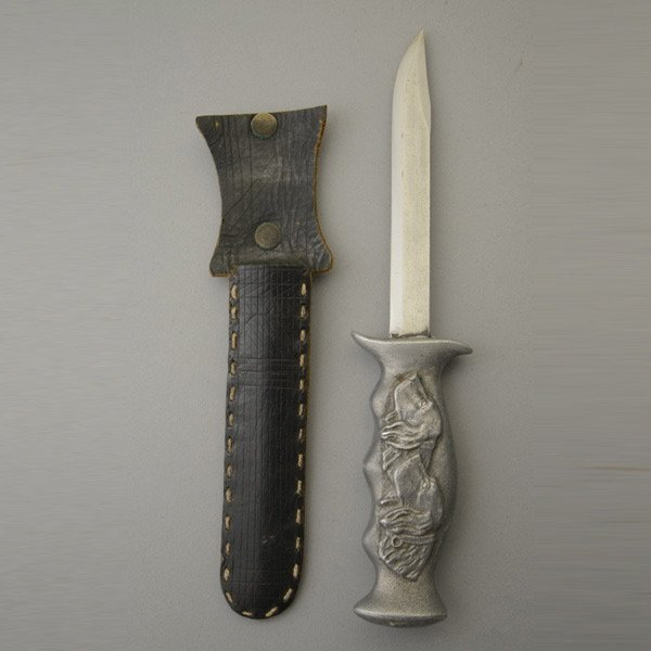 Military Knife with Sporting Handle Cast in Zinc