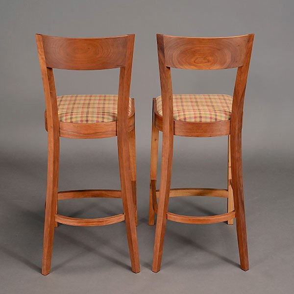 Two Thomas Moser Bar Stools. - 3