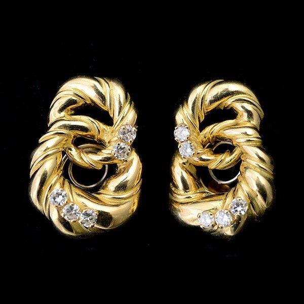 PAIR OF CHAUMET DIAMOND, 18K YELLOW GOLD EARRINGS.