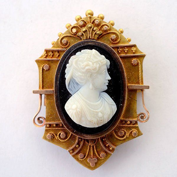 Victorian Hard Stone Cameo, 14k Yellow Gold Pendant