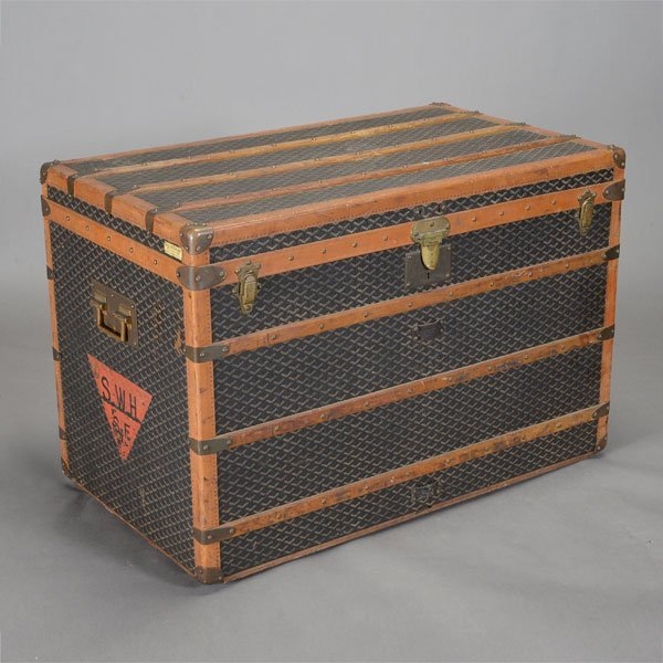 Malles Goyard Steamer Trunk with interior and exterior