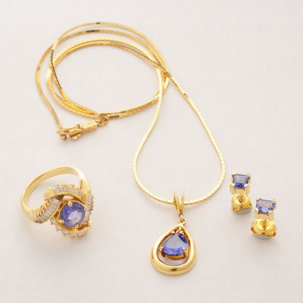 Tanzanite, Diamond,14k Yellow Gold Jewelry Suite.