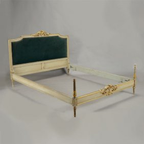 Italian Neoclassical Style Painted And Parcel Gilt Bed,