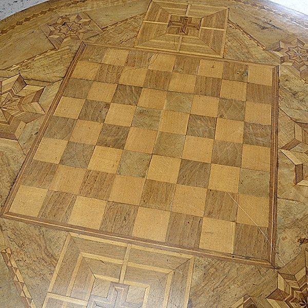 Italian Marquetry Circular Gaming Table - 3