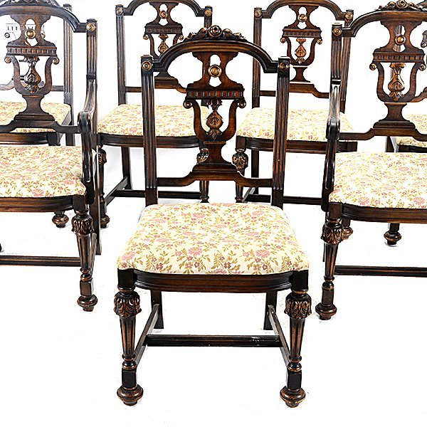 Baroque Revival Walnut Dining Table and Seven Chairs - 2