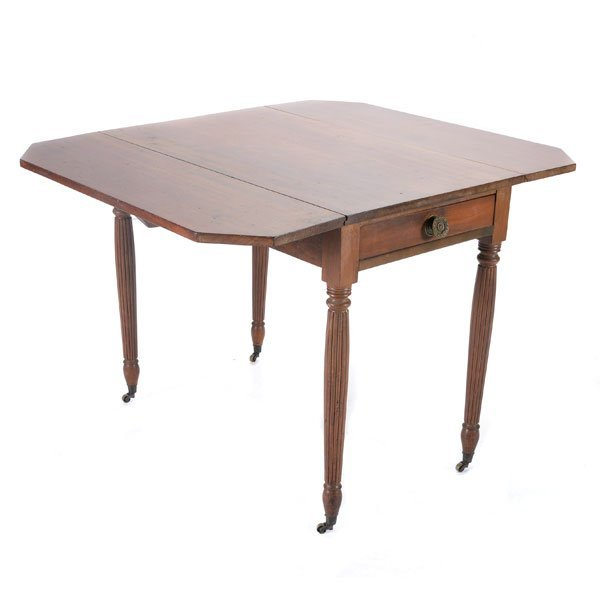 American Federal Mahogany Pembroke Table