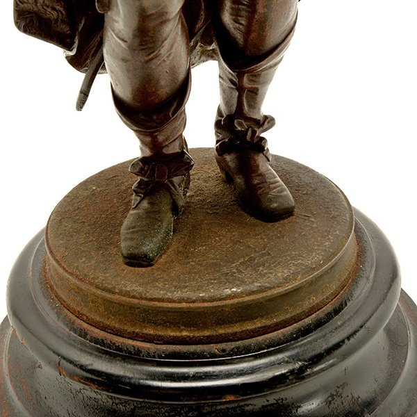 Pair of Patinated Bronze Figures of Renaissance - 9
