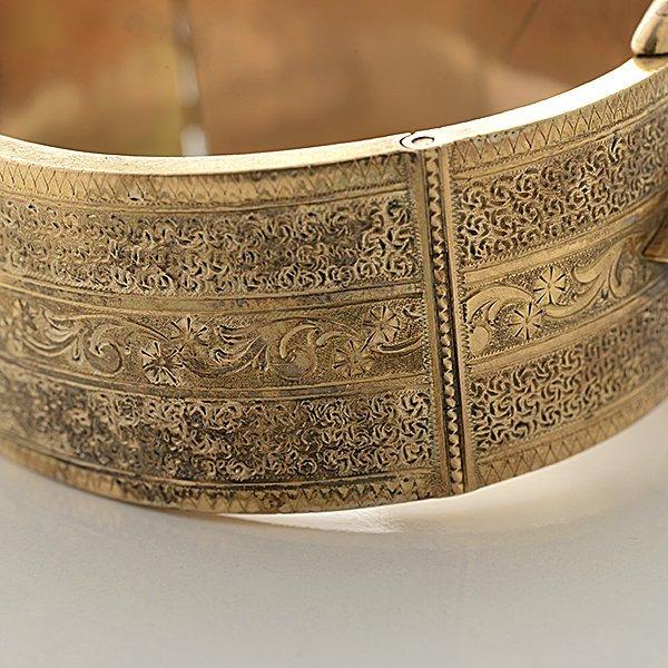 Victorian Pearl, Enamel, 14k Yellow Gold Bracelet. - 4