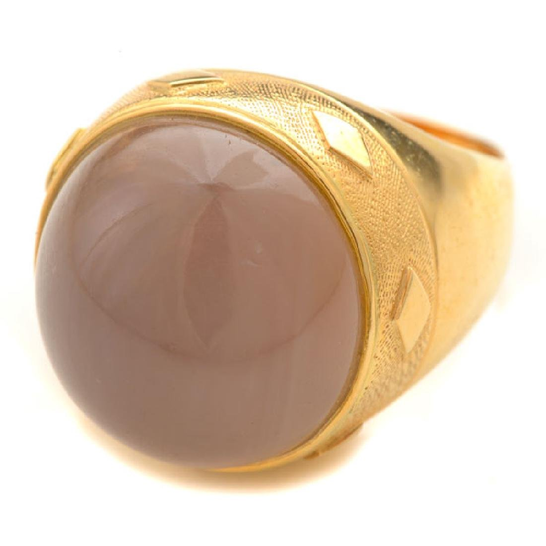 Moonstone, 18k Yellow Gold Ring.