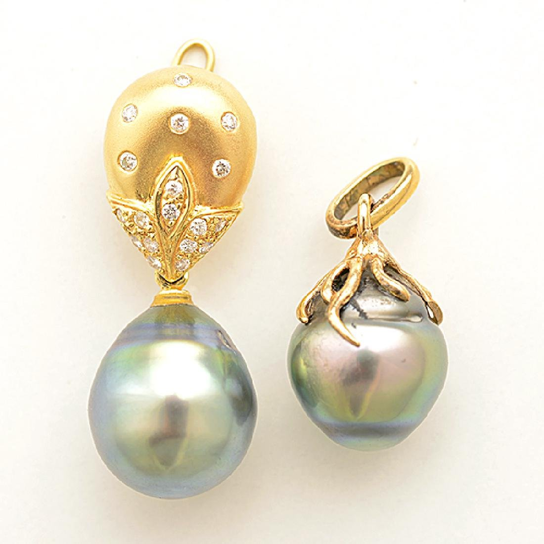 Cultured Pearl, Diamond, Yellow Gold Jewelry Suite. - 3