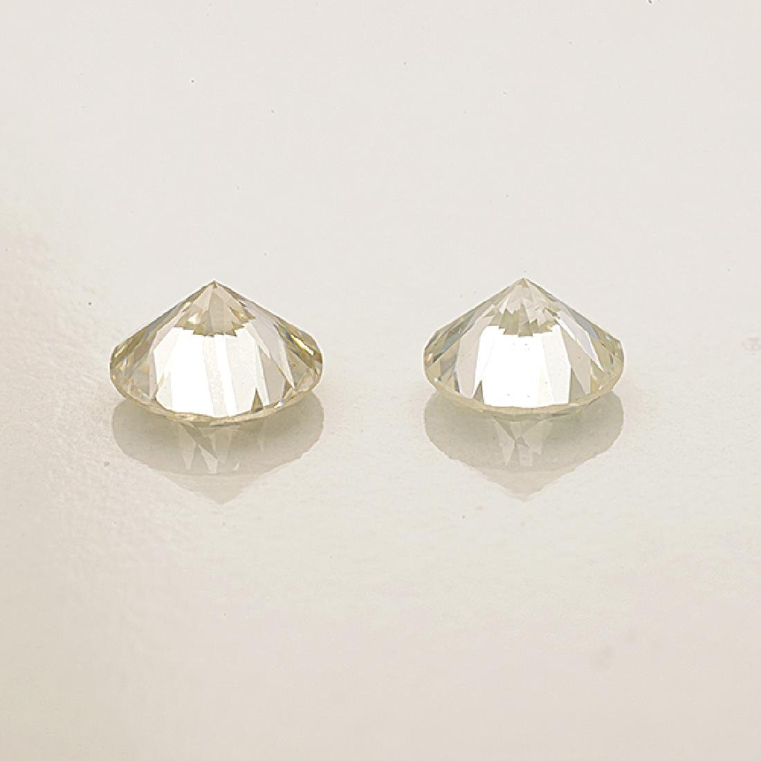 Collection of Two Unmounted Diamonds. - 2