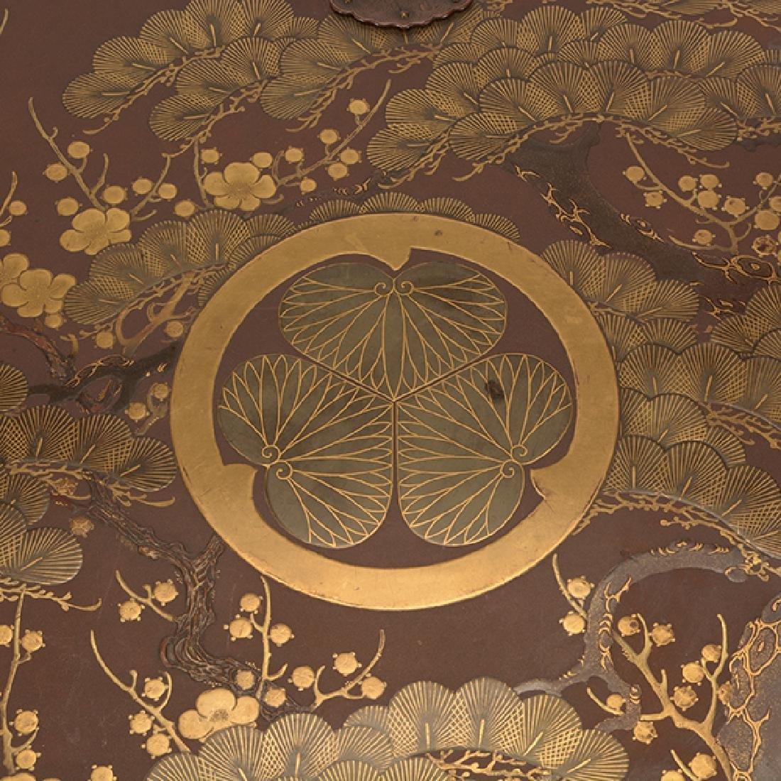 A Japanese Maki-e Karabitsu, Edo Period (19th Century) - 6