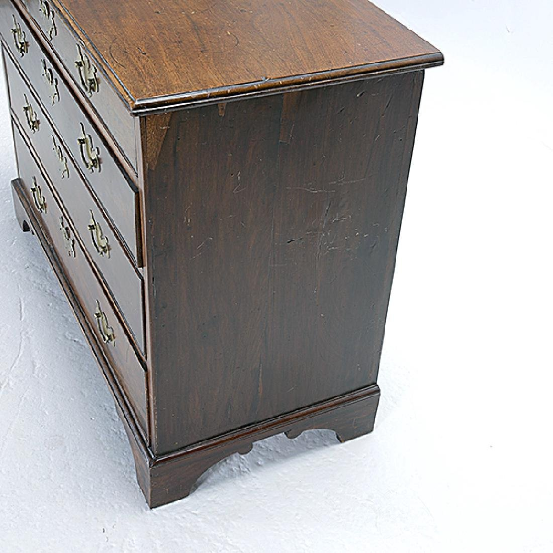 George III Mahogany Chest of Drawers - 3