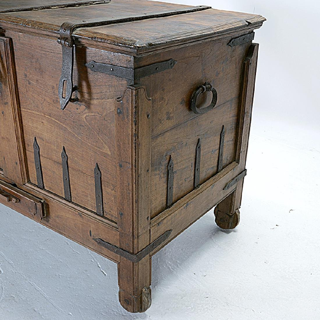 Large Anglo Indian Footed Dowry Chest with Iron Strap - 2