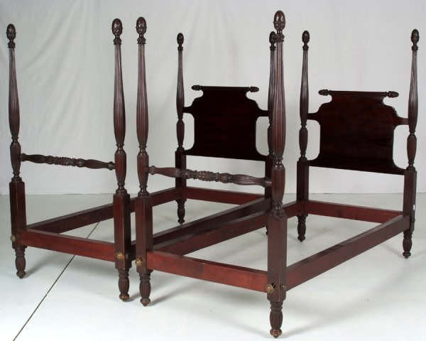 15:  Pr.Empire Acanthus Carved Poster Bed   Made From S
