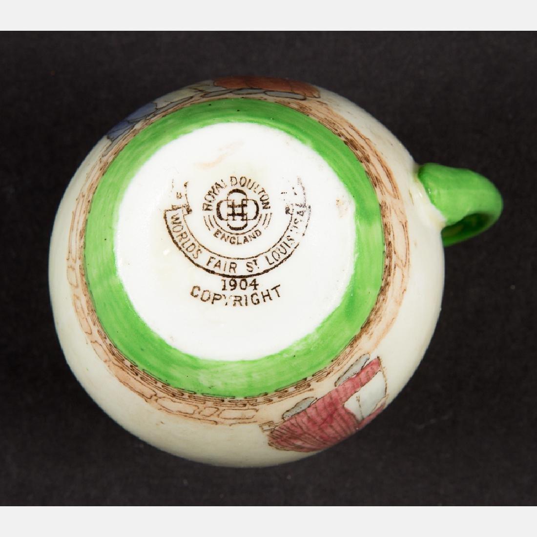 A Miscellaneous Collection of Seven Porcelain - 8