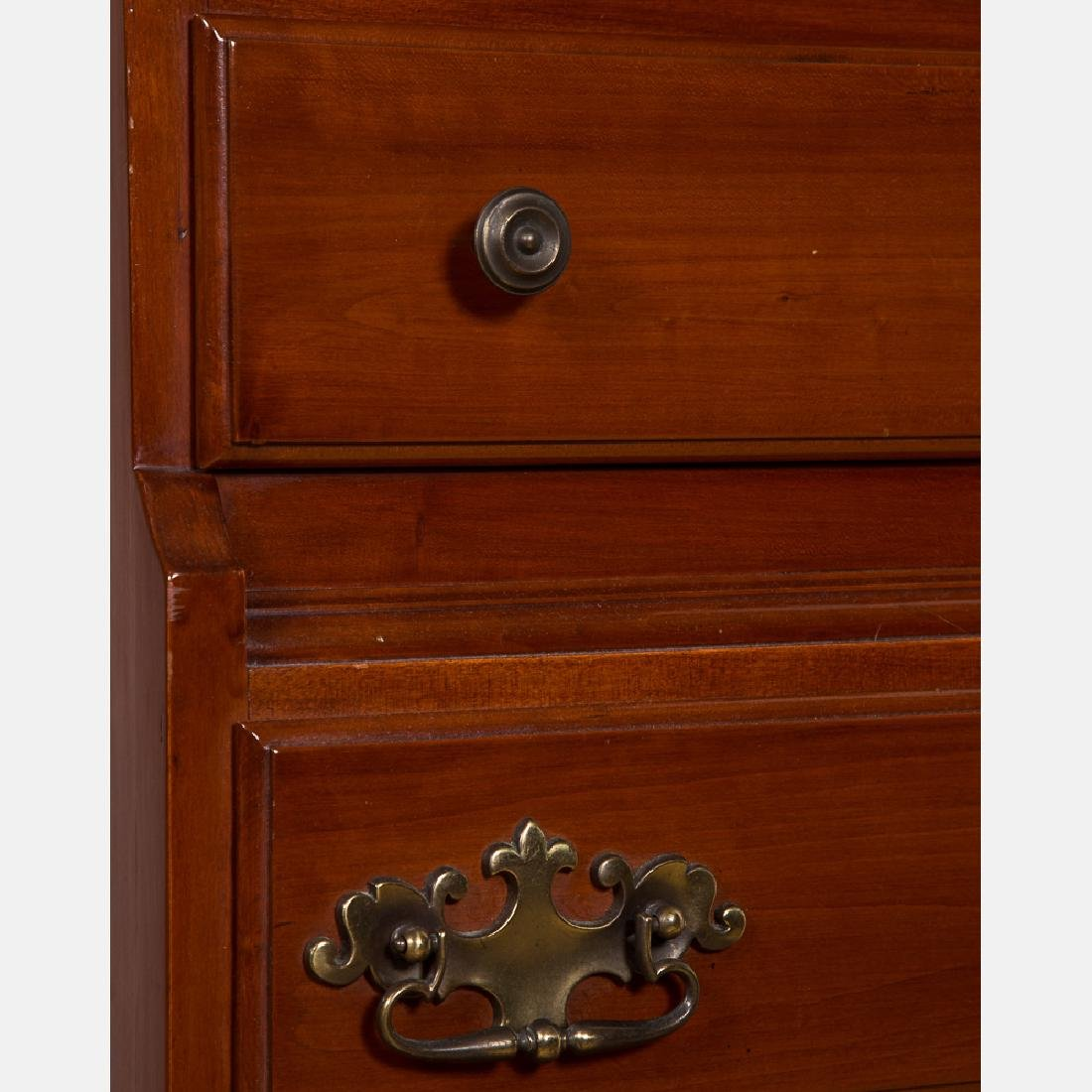 An American Cherry Tall Chest of Drawers, 20th Century. - 4