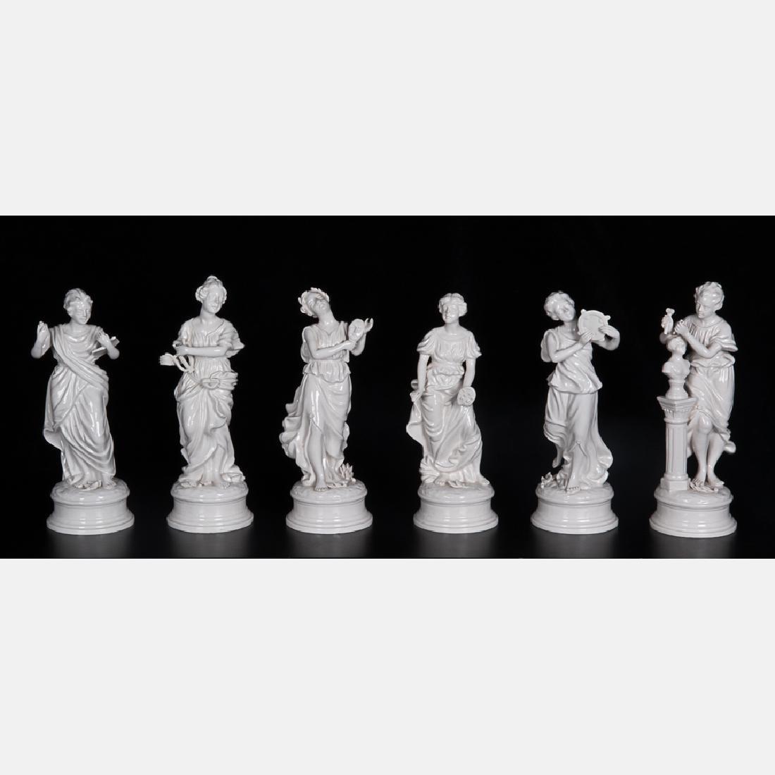 A Capodimonte Blanc de Chine Porcelain Table - 3