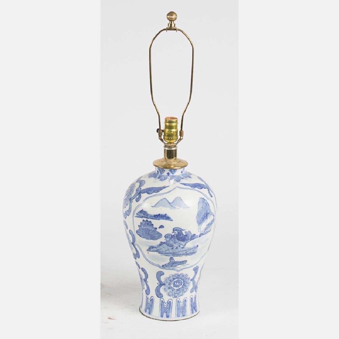 A Chinese Blue and White Porcelain Table Lamp, 20th - 3