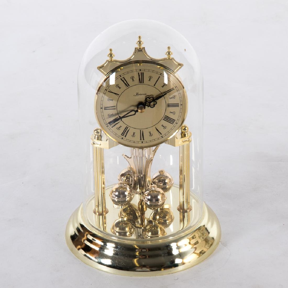 A Miscellaneous Collection of Six Mantle and Desk Clock - 2