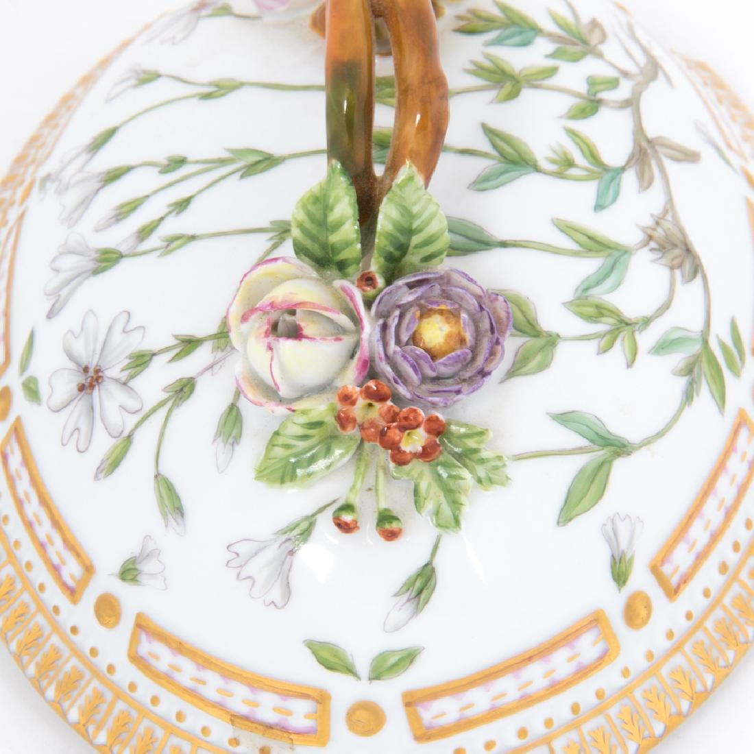 A Small Royal Copenhagen Porcelain Tureen in the Flora - 2