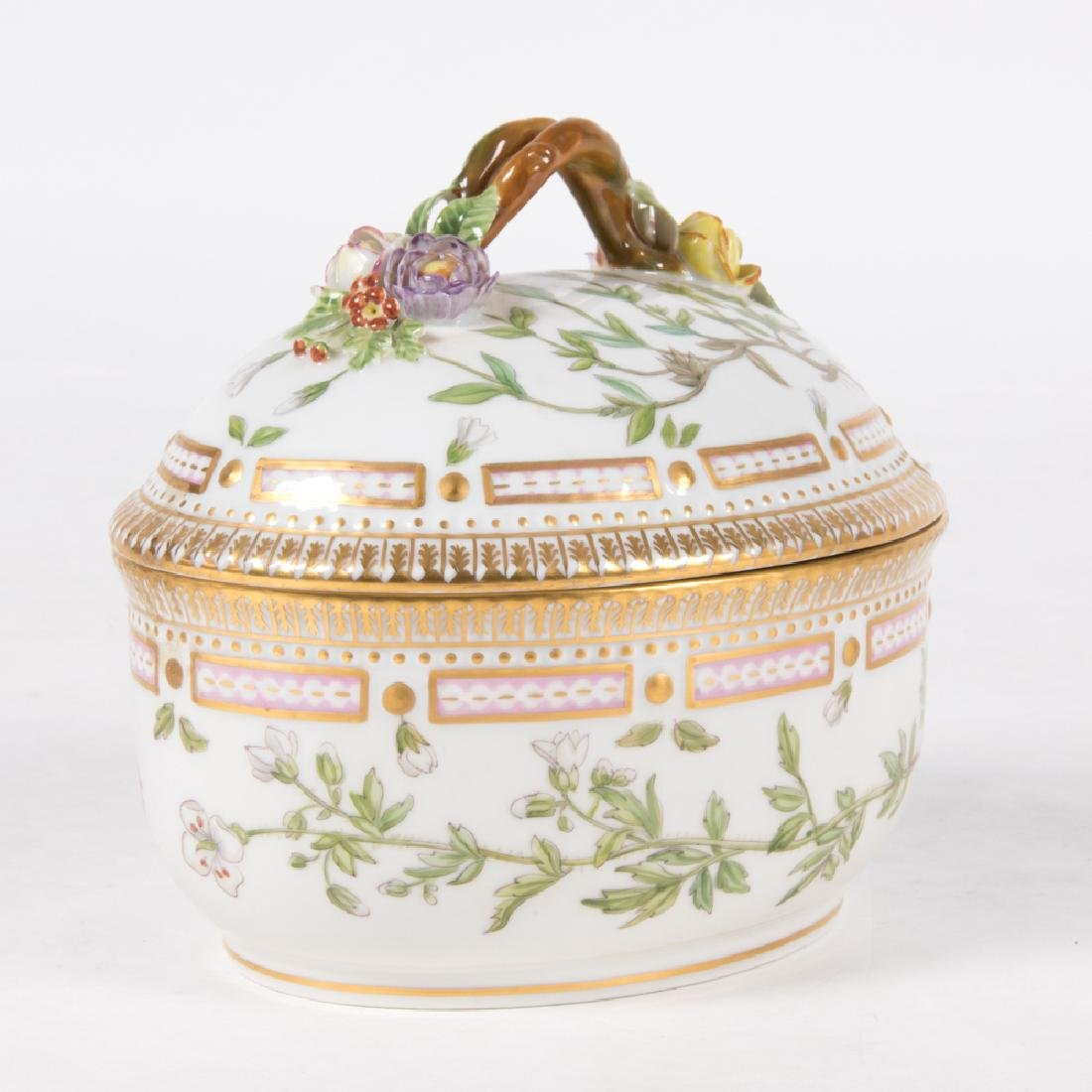 A Small Royal Copenhagen Porcelain Tureen in the Flora - 3