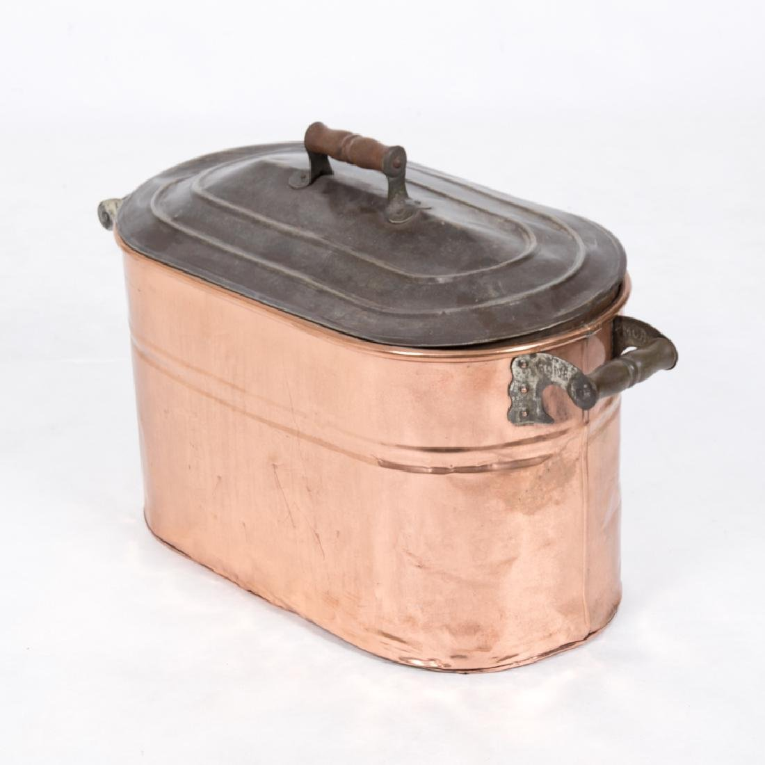 An Antique Rome Company Copper Oval Cooking Vessel with