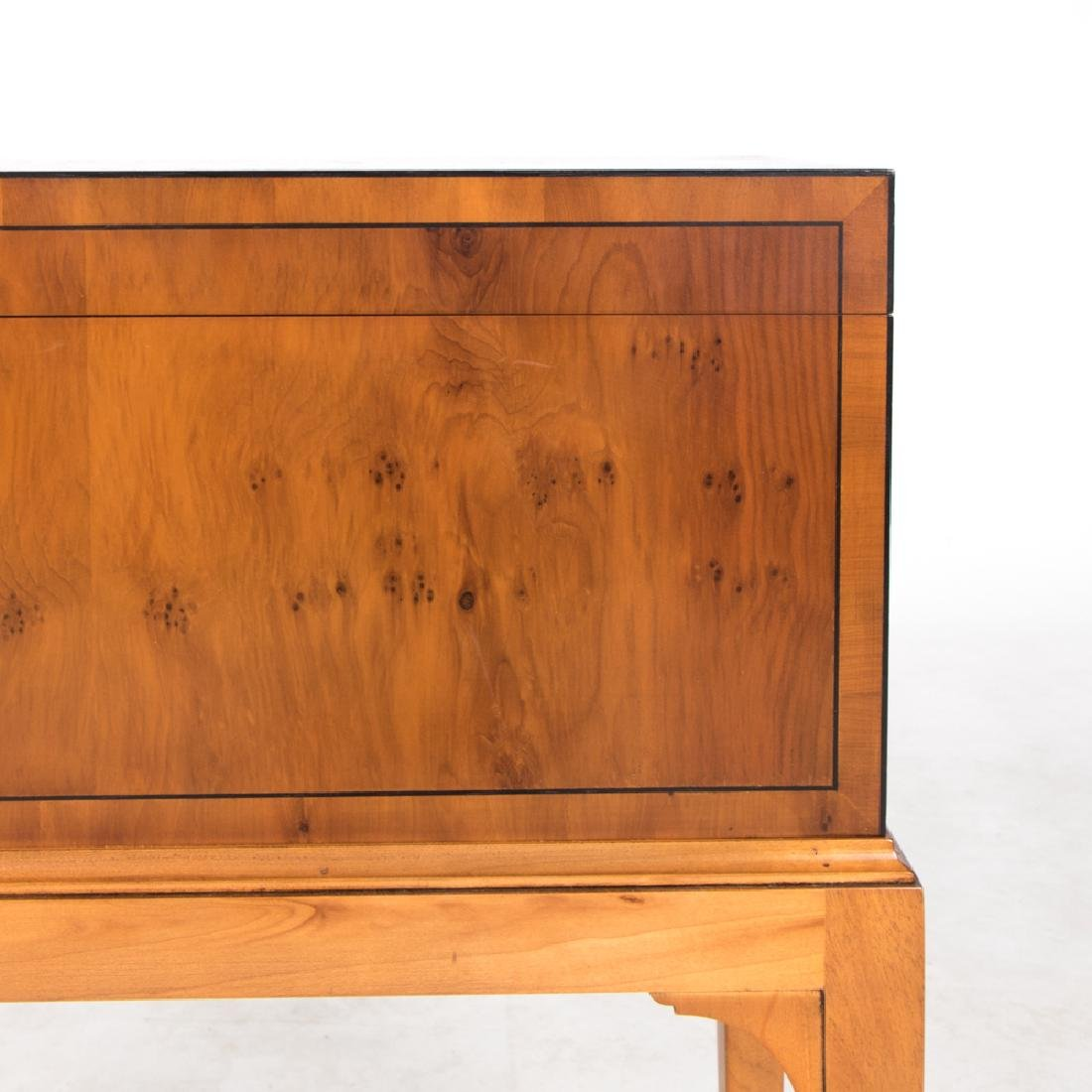 A Pair of Baker Furniture Georgian Style Fruitwood - 8