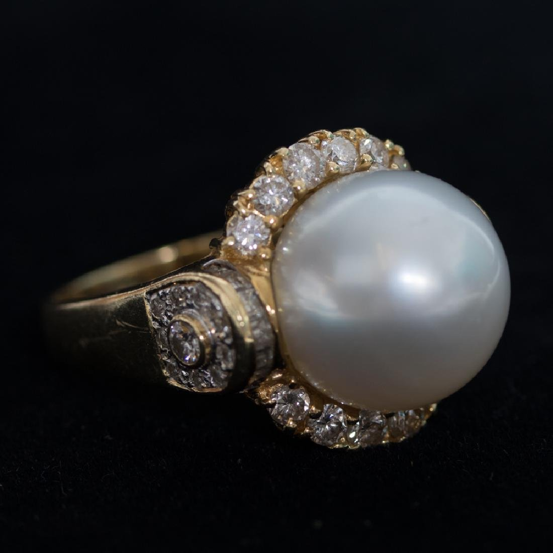 An 18kt. Yellow Gold, Pearl and Diamond Ring,