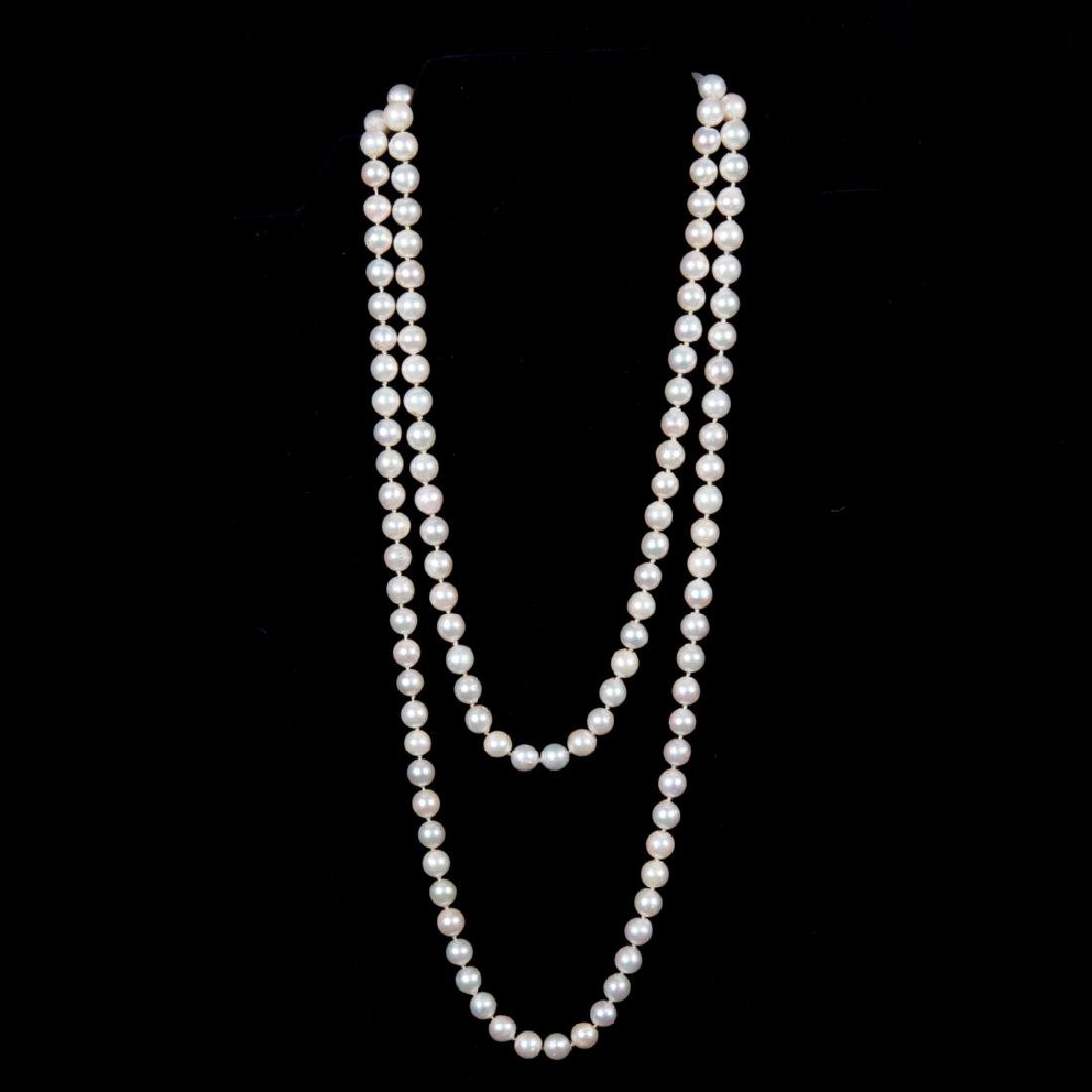 A Cultured White Pearl Single Strand Necklace,