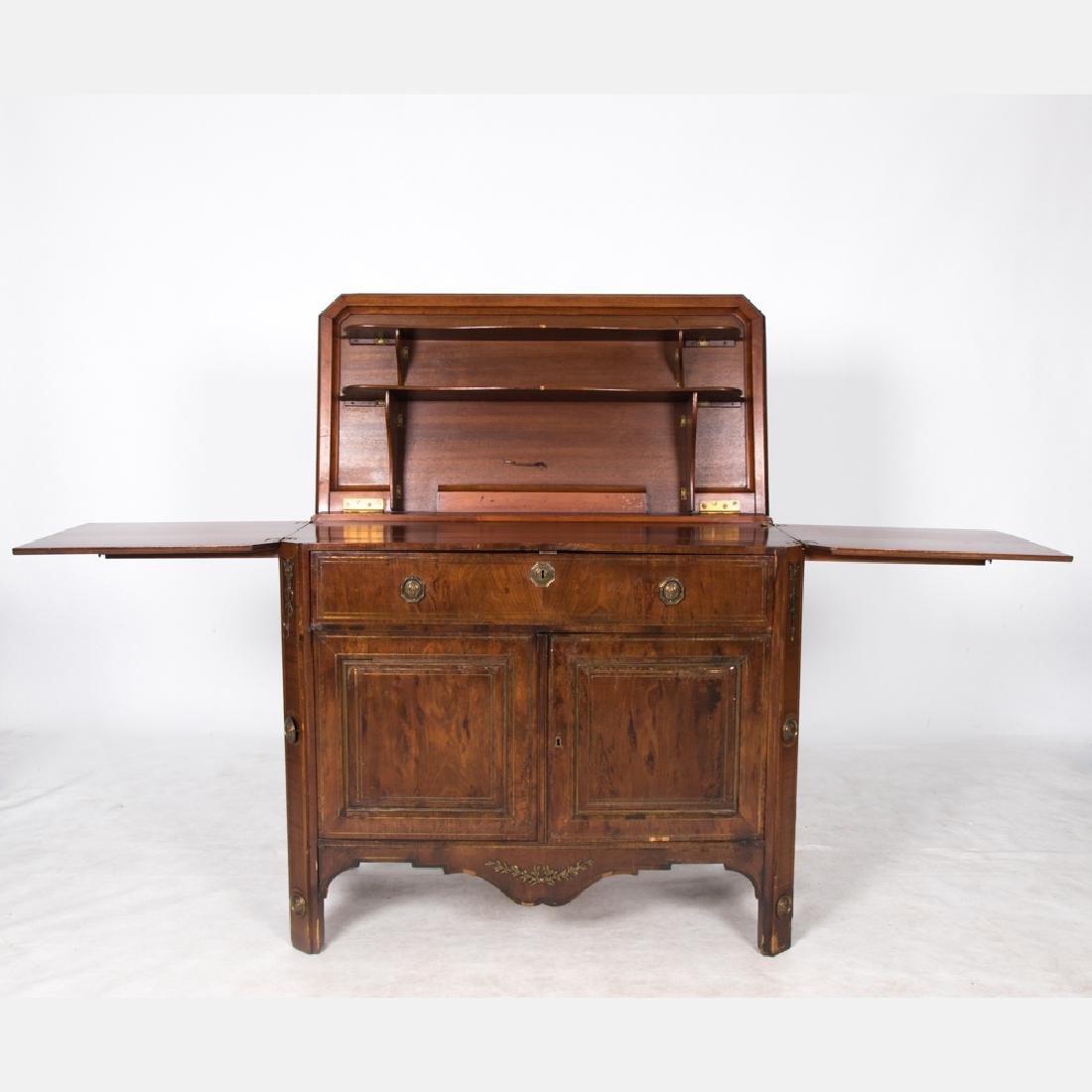 An English Mahogany Bar Cabinet, Early 20th Century.