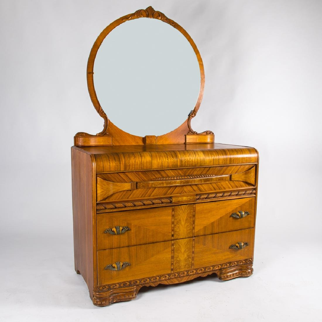 A Vintage Deco Maple Chest of Drawers with Mirror, 20th
