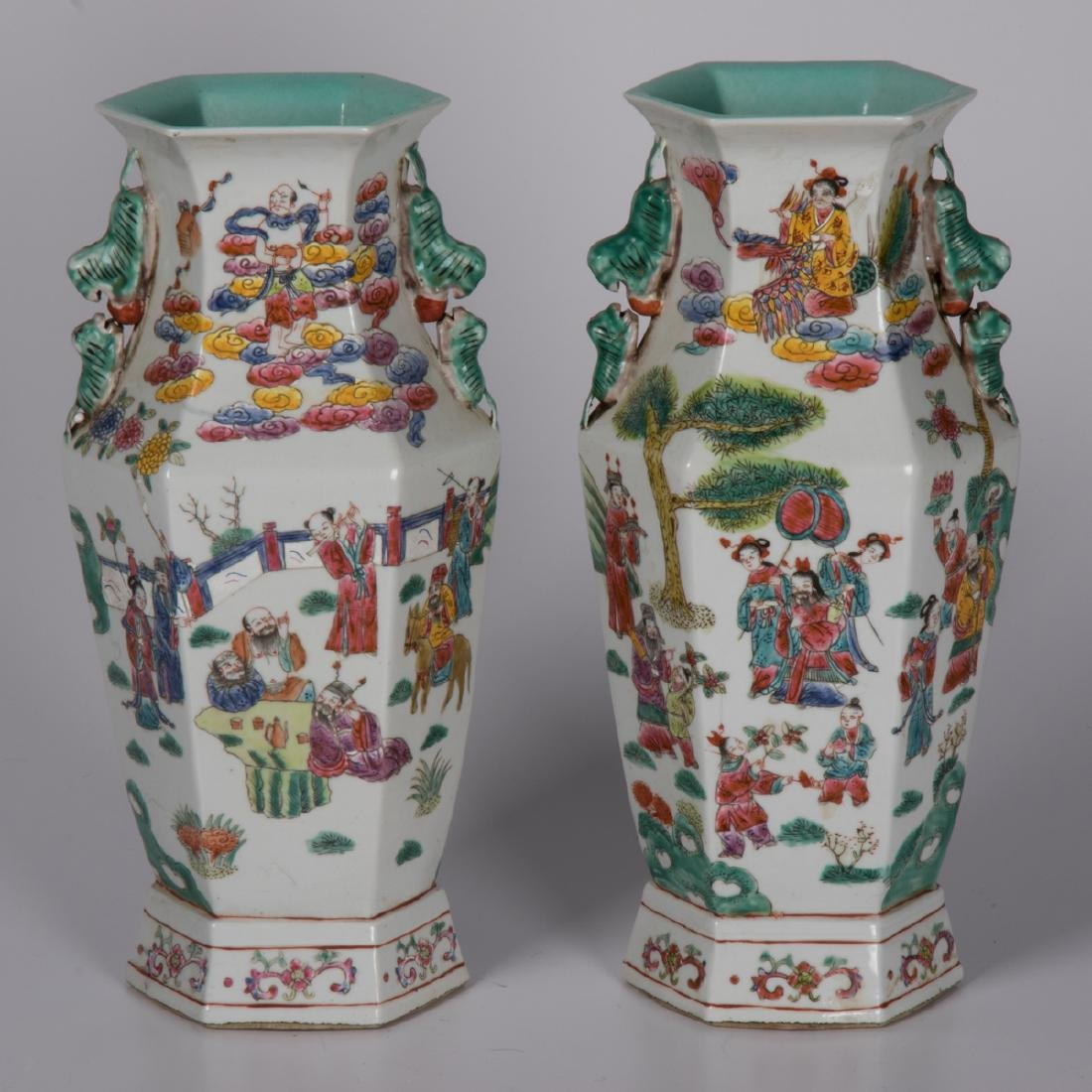 A Pair of Chinese Porcelain Vases, 19th/20th Century,