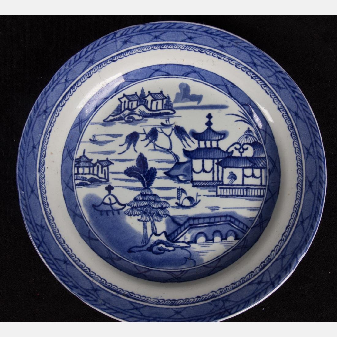 A Group of Four Chinese Export Blue and White Porcelain - 8