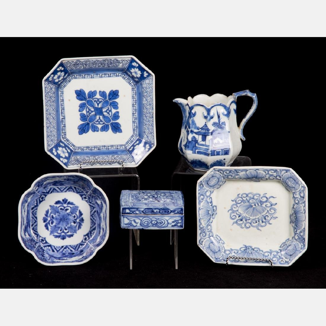 A Group of Five Chinese Blue and White Porcelain