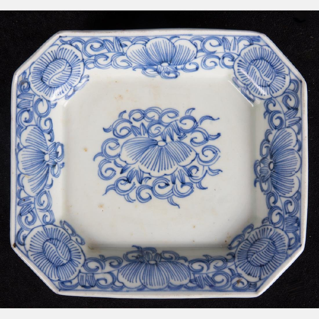 A Group of Five Chinese Blue and White Porcelain - 3