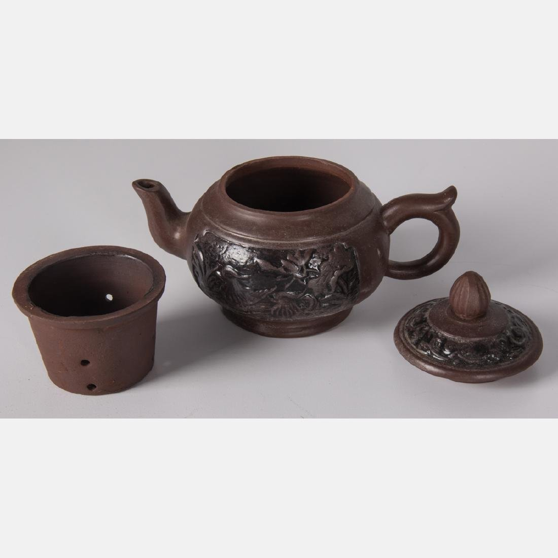 A Group of Five Asian Ceramic Teapots, 20th Century. - 8