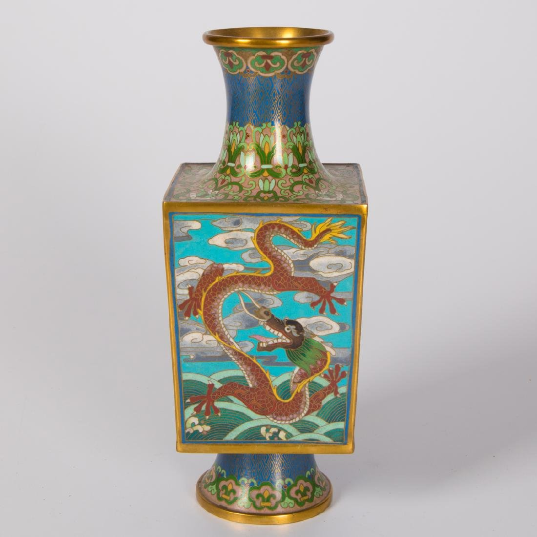 A Chinese Cloisonné Vase, 20th Century. - 2