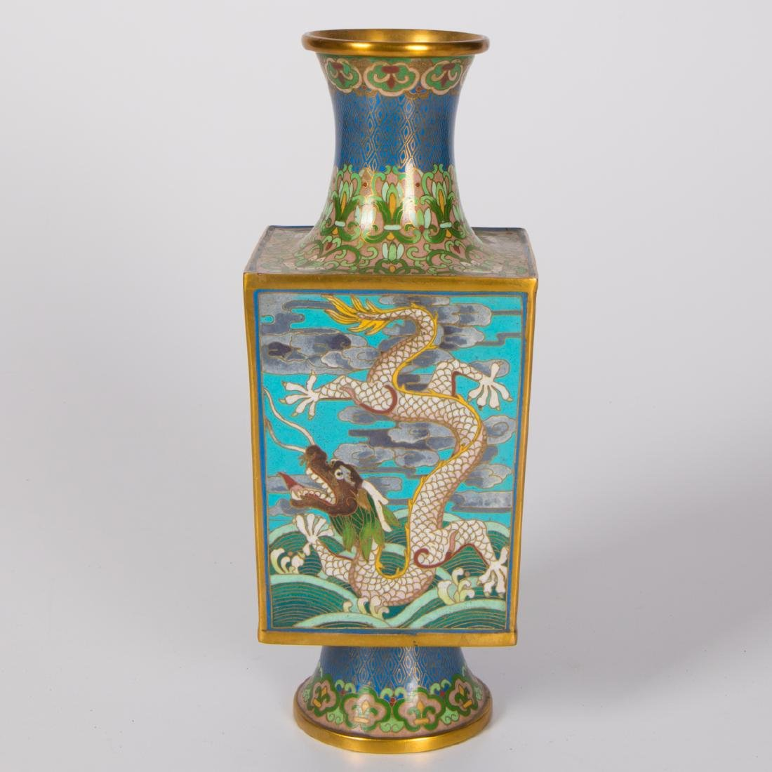 A Chinese Cloisonné Vase, 20th Century. - 4